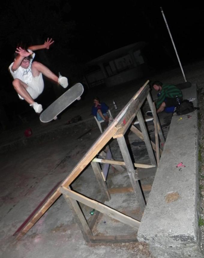 Vegan Skateboarder Armin Halvadzic